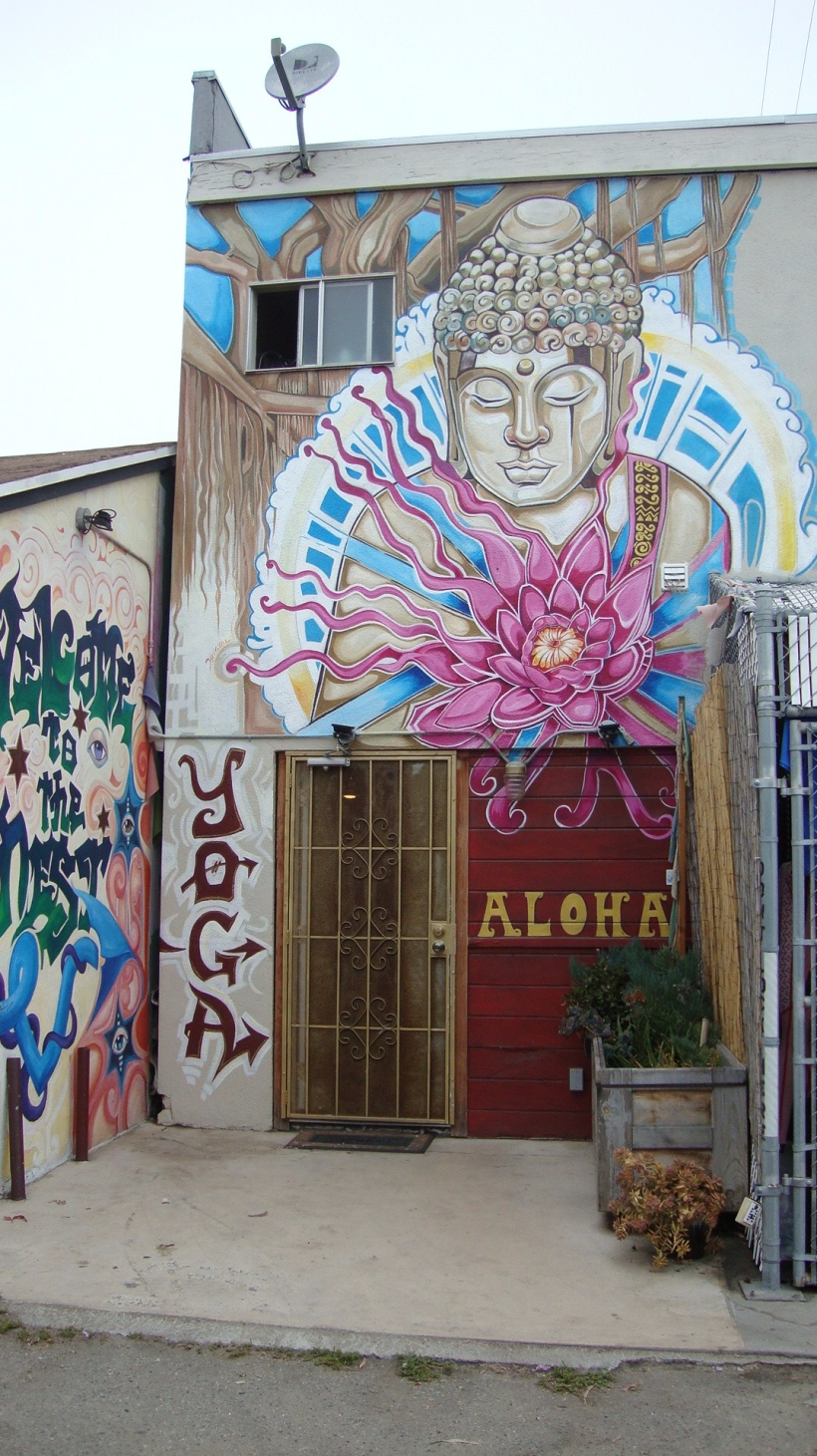 The Yoga Nest Venice, entrance
